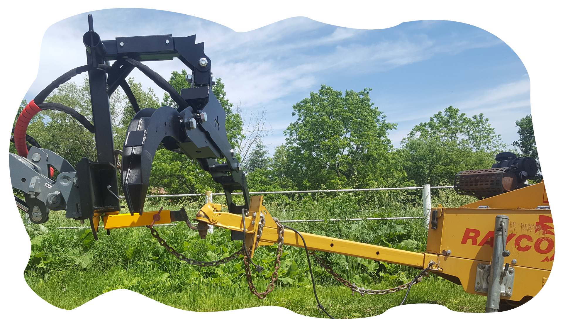 Boxer 320 with a Branch Manager Grapple (BMG)